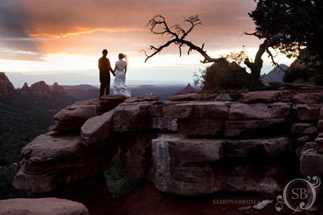 Anne and Max celebrate their newlyweddedness at Merry Go Round with a quintessencial Sedona wedding sunset