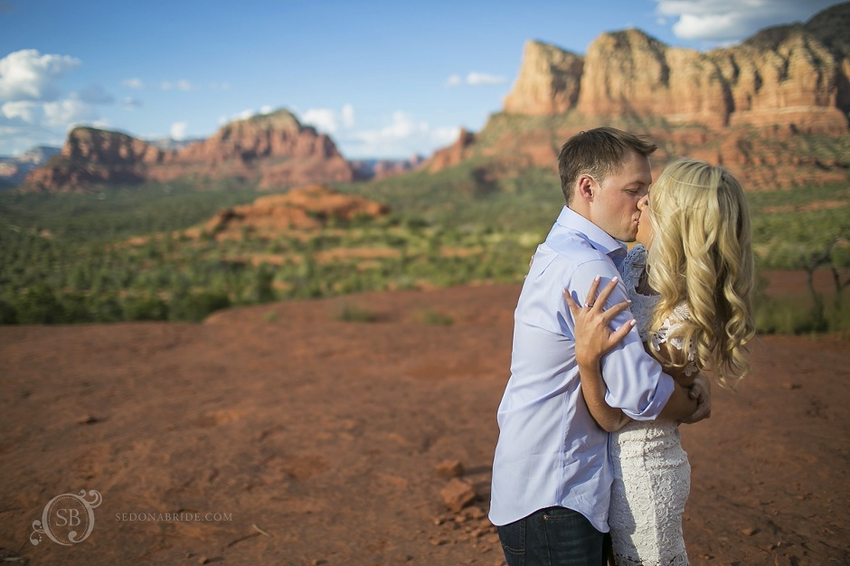 engagement photos at Bell Rock