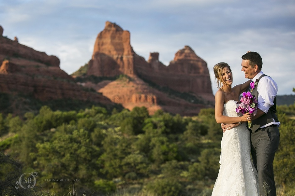 Tlaquepaque Sedona Wedding Portraits on the red rocks - Contact us to begin planning your Sedona wedding!