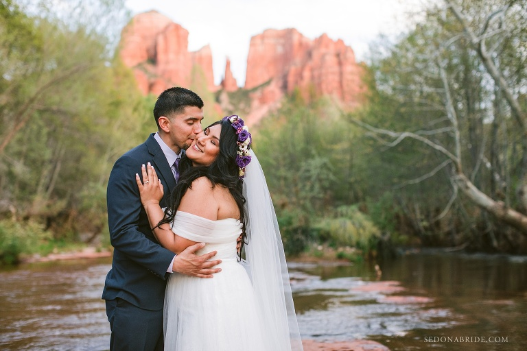 Red Rock Crossing wedding photo